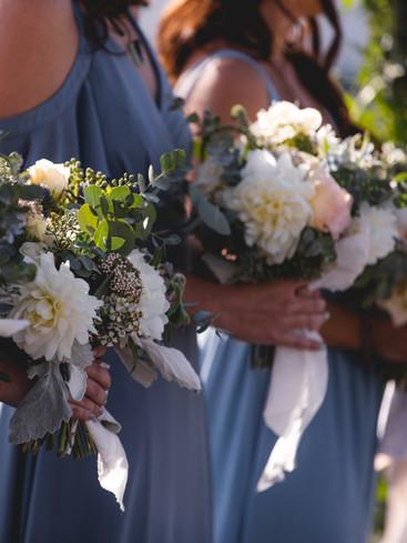 BridesmaidWhiteFlowers _ TrillFlora