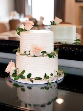 WeddingCakeFlowers.TrillFlora