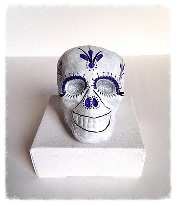 Hanging Diva Skull