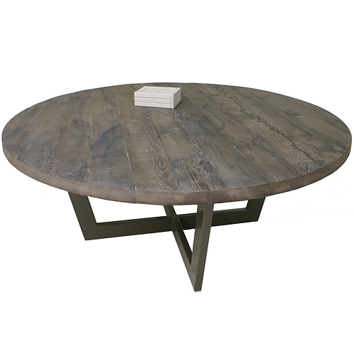 studiº_robert oosterheert™ / Round oak table.