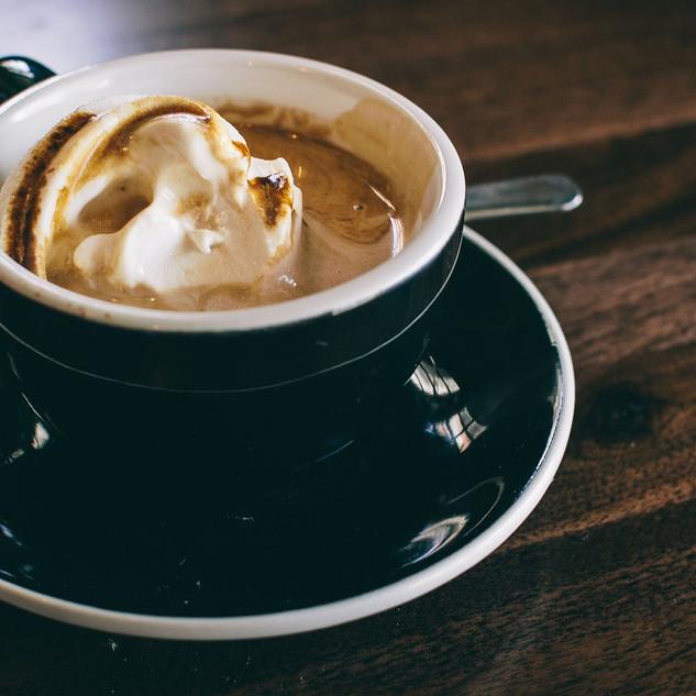 coffeetable_black_cream_tischlerei_berli