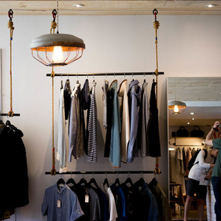 Ladenbau_Tischlerei_Modeladen_Fancy_Shop