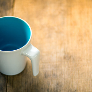 coffeetable_blue_coffee_cup_tischlerei_b