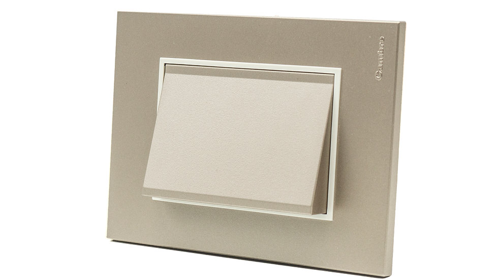 Led Cortesia con Accesorio Orientador Placa Bauhaus
