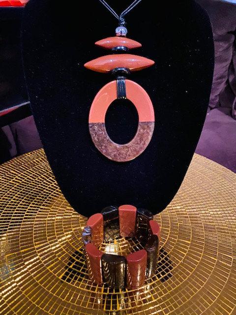 REVEALED - MYSTERY BOX #1 Chocolate Necklace w/Bracelet