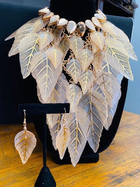 DIVA Gold Leaf Necklace & Earrings