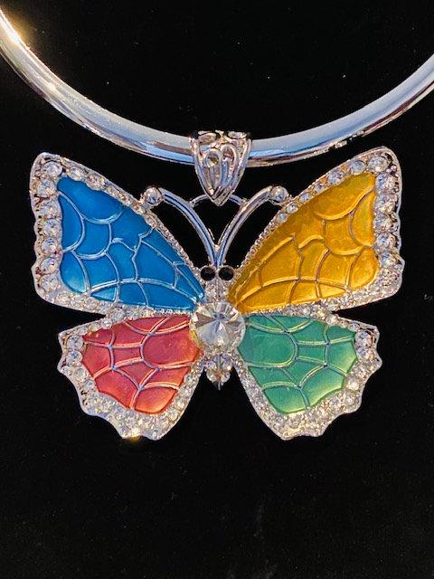 Butterfly Sparkle Necklace w/Earrings