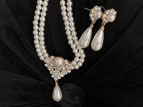 Stunning Pearls, Earrings & Bracelet