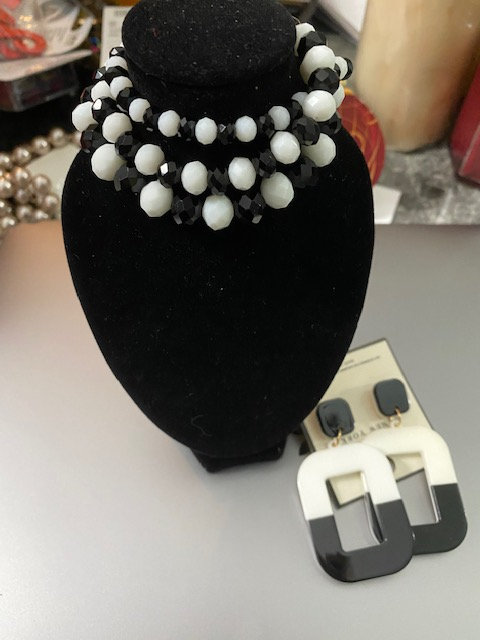Black/White Bracelet & Earrings