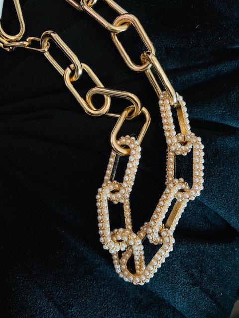 Pearl Dip Necklace w/Earrings