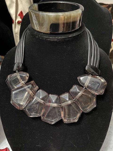 Barbara Grey/Black Necklace w/Bracelet