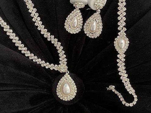 Rhinestone Pearl Necklace, Earrings & Bracelet