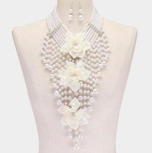 Queen DIVA Pearl w/Earrings & Bracelet