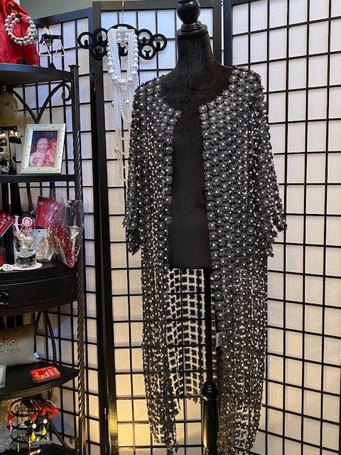 Pearls Sweater Mid-Length (Black)