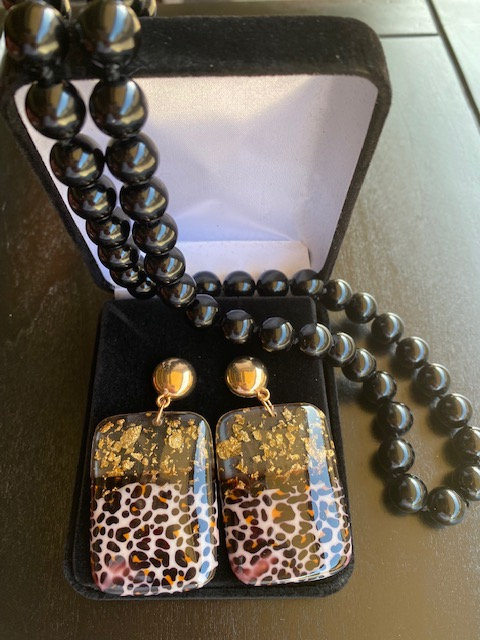 Golden Flakes and Leopard Earrings w/Beaded Glass Necklace