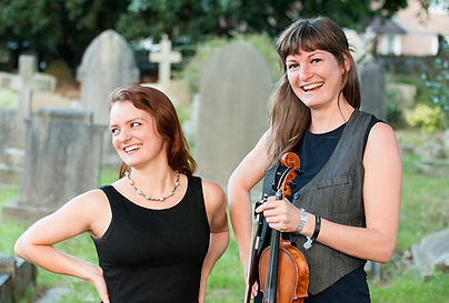 Hannah&Claudia photo c Chris Dobson (low