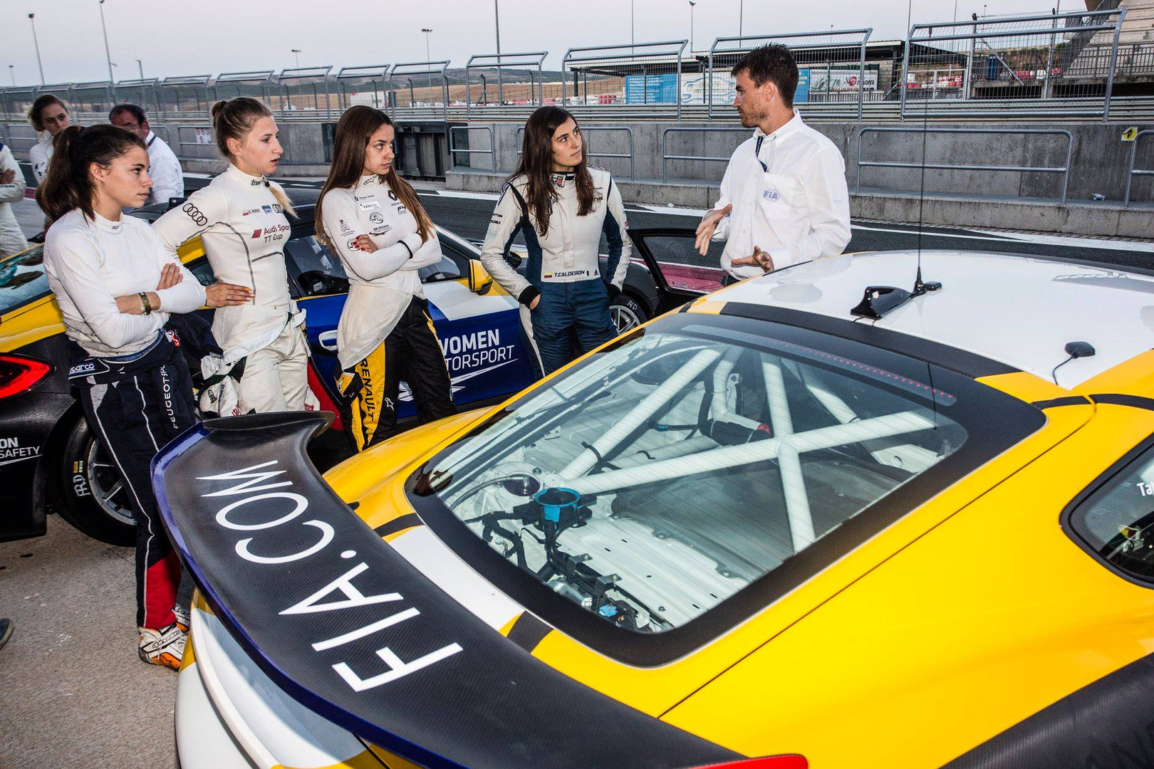 Participation en tant qu'ingénieur/coach data au programme FIA Women in Motorsport 2018