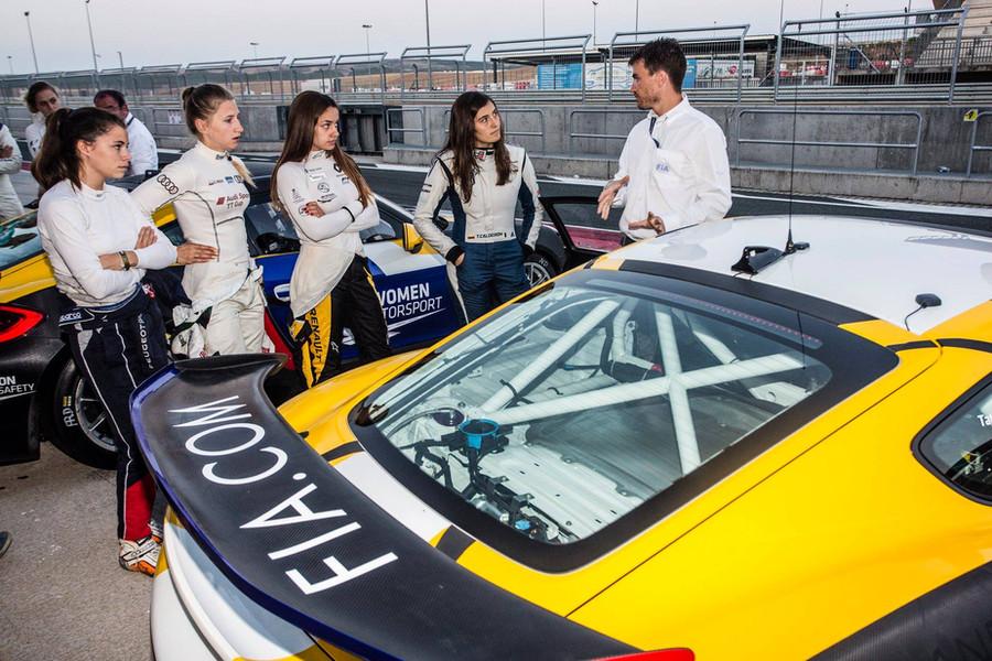 Participation en tant qu'ingénieur/coach data au programme FIA Women in Motorsport 2018