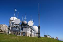 les antennes relais.