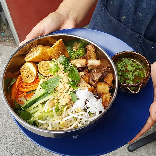 New on the menu today !! Our fresh Vietnamese Noodle Bowl with Spring Rolls, Fresh Veges and Crispy