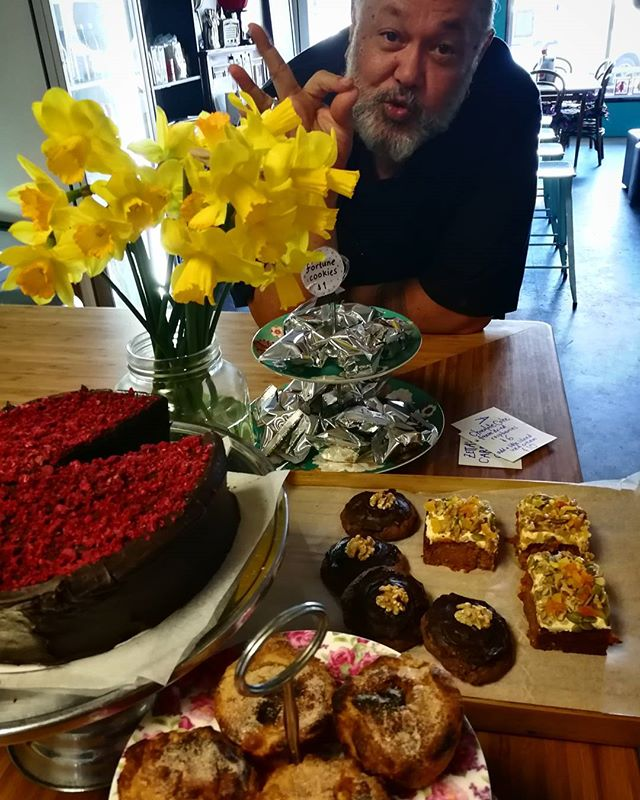Daffodils & Friday Sweet Treats_#carrotcake #afghans #portuguesetarts #cake