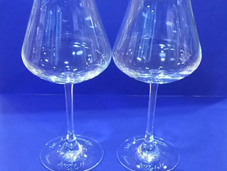 シャトーバカラ ワイングラスにラインストーンを添えて