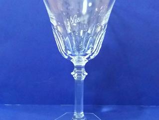 洗練されたフェミニンなデザイン、アルクールイヴ ワイングラス