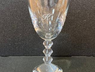 ベガ ワイングラスに名入れ彫刻しました