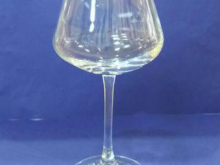 シャトーバカラワイングラスに名入れ彫刻しました