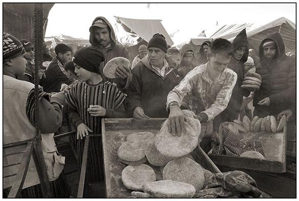 Bread Seller, Souk Had Raa