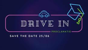 FLX verrast de laatstejaars met een DRIVE IN Proclamatie!
