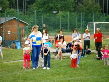Děti z MŠ Borek na hřišti