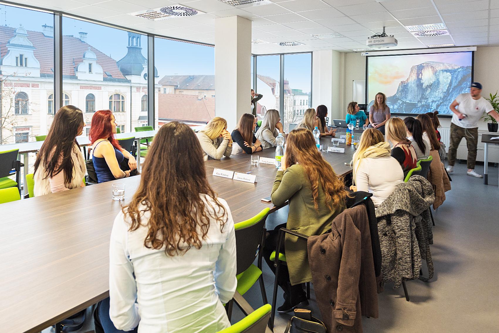 Konferenční místnost velká