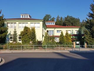 Základní a mateřská škola Borek