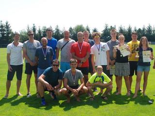 Sportovci na Fotbalovém hřišti Borek