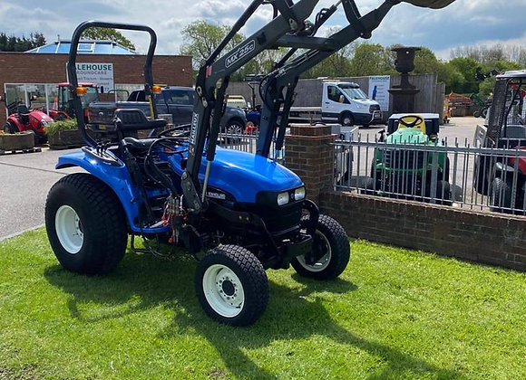 New Holland TC27D 4 wheel drive compact tractor