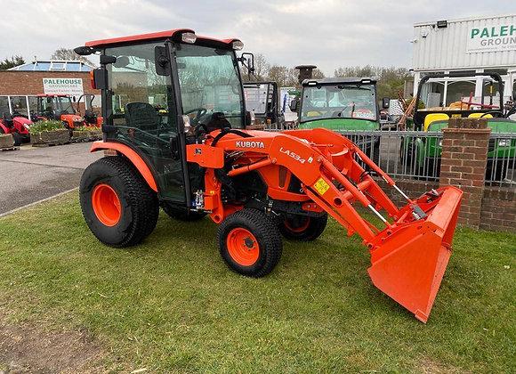Kubota B3150 HDCC compact tractor cab, loader & bucket
