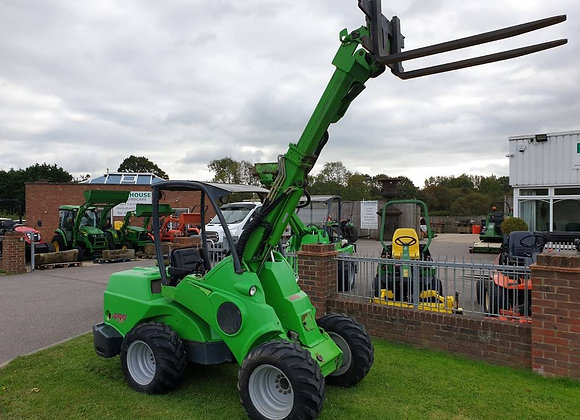 Avant 750 Telescopic Loader and articulating chassis