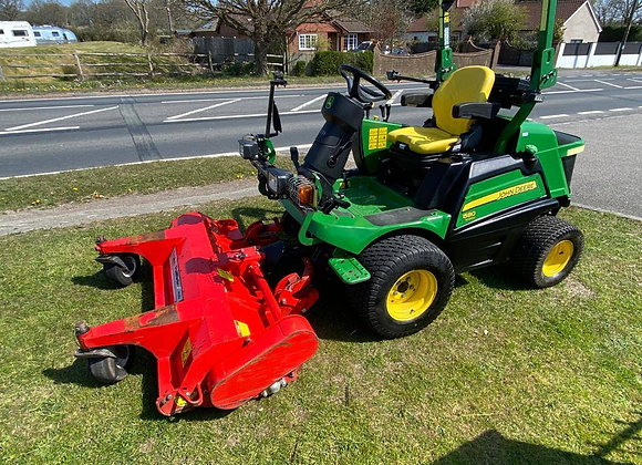 John Deere F1580 Out front 4-Wheel Drive mower