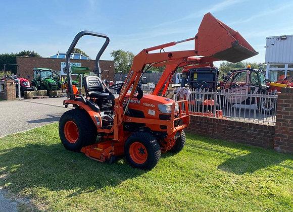 Kubota B2530 4 wheel drive compact tractor