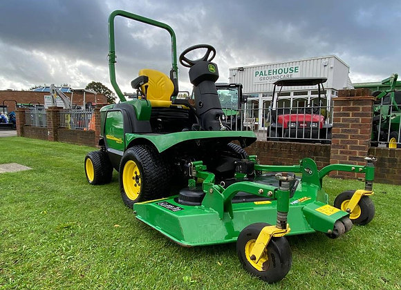 John Deere F1445 4WD out front rotary