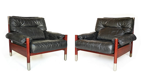 Carlo de Carli for Somani Stylish pair of lounge chairs in rosewood