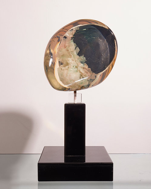 Resin sculpture by Gilles Charbin