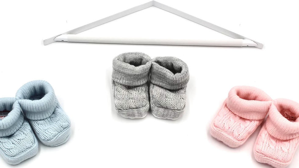 Newborn Cable Knit Baby Booties