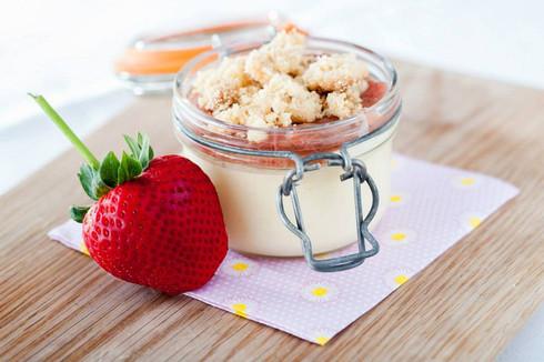 Rhubarb and strawberry cheesecake