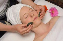 Japanese-Hot-Stone-Facial-Massage-164-300x199