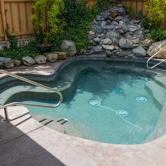 Chozu Summer-22-garden-pool.jpg