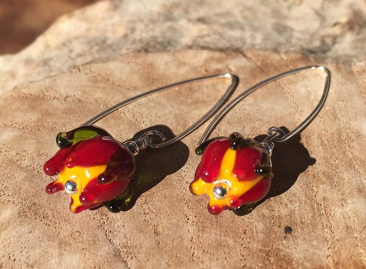 Ohrhänger mit Glasblume