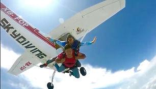 Salto en paracaidas 4.jpg