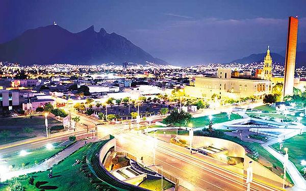 Monterrey de noche.jpg